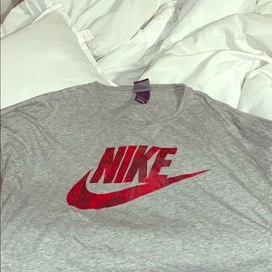 Women's Nike long sleeve shirt